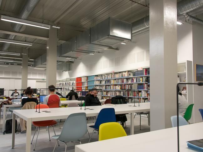 Bibliothèque de l'École supérieure des Beaux-Arts de Nantes Saint Nazaire