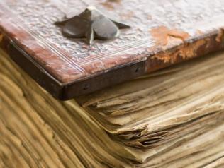 Stage petites réparations, entretien des documents imprimés patrimoniaux
