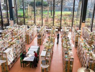 Les éditeurs à la bibliothèque