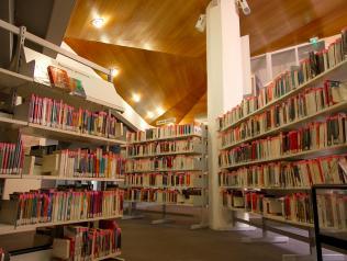 Marché public  : le nouveau décret relatif à l'achat de livres non scolaires