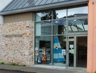 Bibliothèque de Guenrouët
