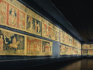 Des racines pour la création : quand la tapisserie de l'Apocalypse nourrit des auteurs en résidence