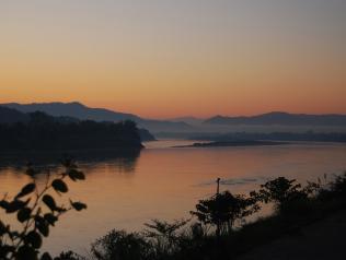 Morning view sur le fleuve Mékong