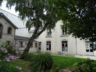 Pôle littérature du Grand R - Scène nationale La Roche-sur-Yon (Maison Gueffier)